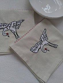 Úžitkový textil - Žeriavy (prestieranie s ručnou výšivkou) - 10469495_