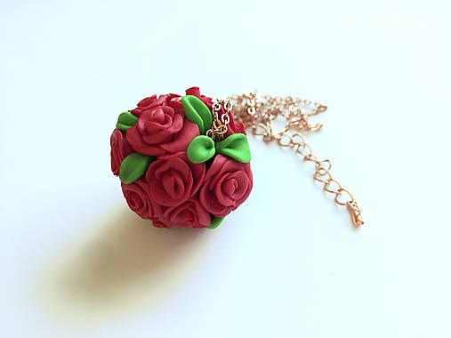 f803edd34 Guľa plná ruží / ZuzHa - SAShE.sk - Handmade Náhrdelníky