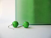 Náušnice - ,,Guľôčky bodkované-zelené,, - 10471236_
