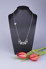 Náhrdelníky - Náhrdelník Kvety - dlhý 6cm - chirurg. oceľ/ pozlátené - 10470707_