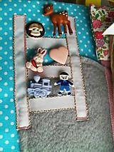 Hračky - Quiet book, strana izba pre bábiku - 10471195_