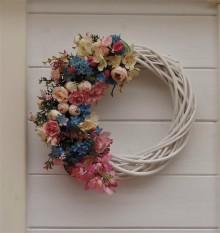 Dekorácie - Jarný veniec na dvere - 9545289_