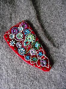 Odznaky/Brošne - kvetinová brošňa - 10473448_