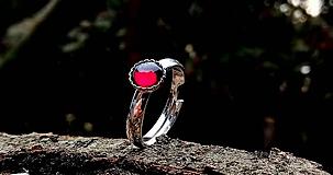 - Strieborný prsteň s prírodným granátom - 10477673_