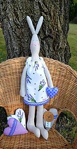 Dekorácie - Veľkonočný levanduľový zajko, 52 cm - 10478148_