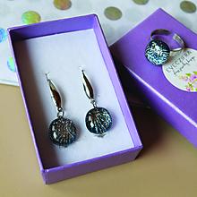 Sady šperkov - Strieborné trblietavé sklenené náušnice + prsteň - 10478473_