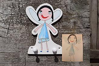 Detské doplnky - vešiak podľa detskej kresby - 10479940_
