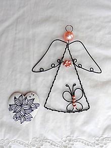 Dekorácie - anjelik s motýlikom... (Ružová) - 10478977_