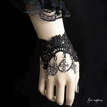 Náramky - Gotický náramok s krížikmi - 10478974_
