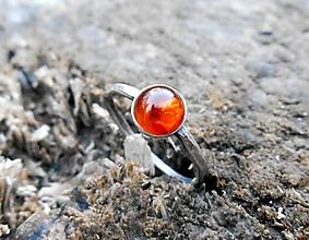 Prstene - Strieborný Prsteň s Jantárom - 10480944_