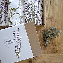 Úžitkový textil - Darčekové balenie troch ručne maľovaných vankúšov - levanduľa - 10480363_