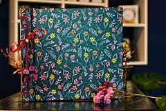 Papiernictvo - Fotoalbum klasický, polyetylénový olaminovaný s potlačou kvetín - 10479542_