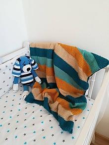 Úžitkový textil - Pletená deka do kočíka či postieľky - 10480484_