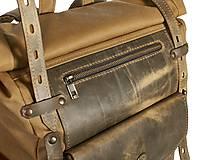 Batohy - Olivový mestský batoh z kože a voskovaného plátna. - 10479971_