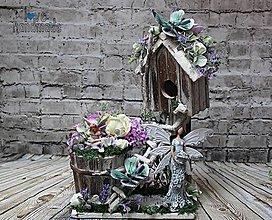 Dekorácie - Rozprávkový domček fialovo-smotanový s vílami - 10481882_