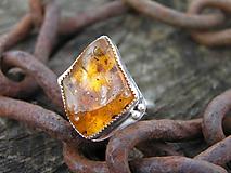 Prstene - Strieborny prsteň Ag925 Jantár - 10480880_