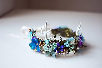Ozdoby do vlasov - Kvetinový venček s parožím a motýlími krídlami - 10480840_