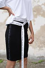 Sukne - Čierna úzka sukňa s lampasmi BLACK & WHITE COLLECTION - 10481966_