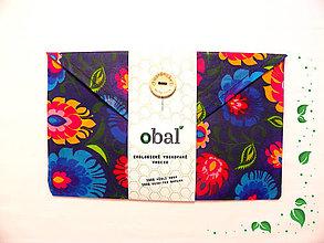 Úžitkový textil - Voskované vrecko s gombíkom - Kvety tmavé - 10481591_