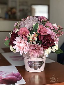 Dekorácie - Kvetinová dekorácia na stol - 10479838_