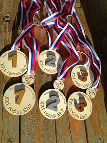 Nezaradené - Drevené medaile na každú súťaž - 10483690_