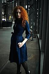Šaty - Zavinovací šaty MONA, indigo modrá - 10483163_