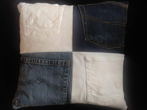 Úžitkový textil - Vankúš z rifloviny s vreckami - 10483565_