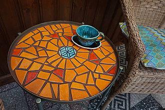 Nábytok - stolík s mozaikou - 10490055_