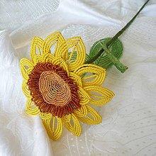Dekorácie - Slunečnice z korálků - 10487102_