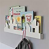 Nábytok - nástenný vešiak/polička 'na ulici' biely - 10489435_