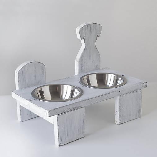 Stolík na misky pre psíkov