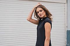 Šaty - Rovné šaty s bočnými vreckami BLACK & WHITE COLLECTION - 10489154_