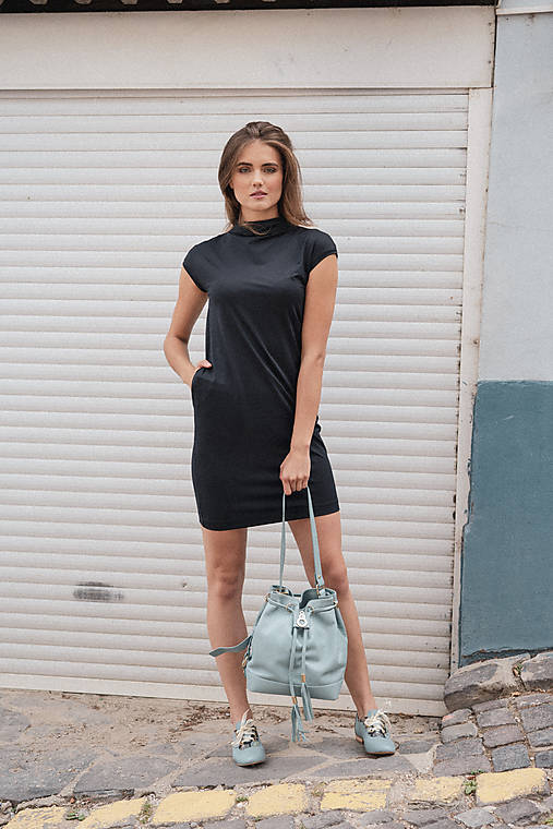 Rovné šaty s bočnými vreckami BLACK & WHITE COLLECTION