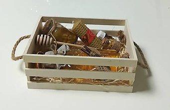 Potraviny - Debnička  plná včelích darov - 10486420_