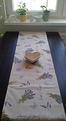 Úžitkový textil - Obrusy - štóly kvetové (Levandulový) - 10487657_