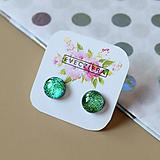 Náušnice - Zelené trblietavé sklenené napichovačky - 10489945_
