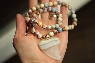 Náhrdelníky - Náhrdelník z minerálu regalit a achát - 10487592_