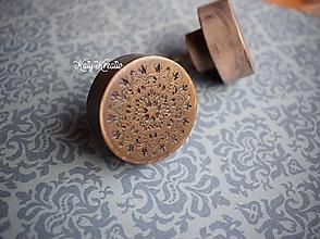 Nábytok - originálny drevený úchyt - 10492363_