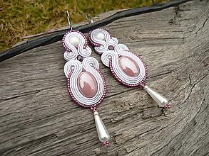 Náušnice - Soutache náušnice Fialovo-biele perleťové - 10492673_