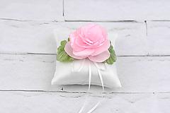 Vankúšik na obrúčky ružová ruža