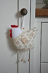 Dekorácie - Béžová kvietkovaná sliepočka - 10494782_