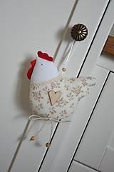 Dekorácie - Béžová kvietkovaná sliepočka - 10494785_