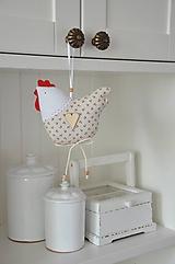 Dekorácie - Sliepočka s malinkými kvietkami - 10494790_