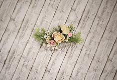 Ozdoby do vlasov - Romantický kvetinový hrebienok do vlasov - 10494300_