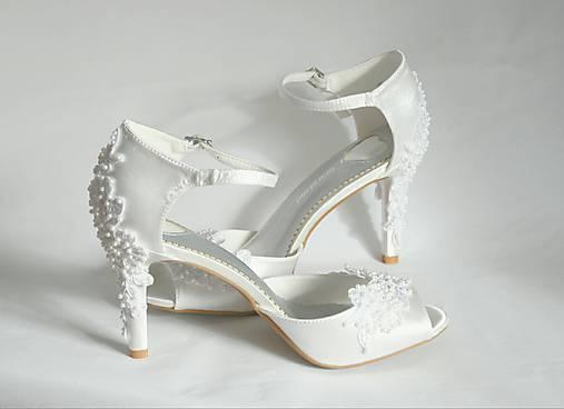 d08af2049a Svadobné sandále zdobené krajkou   ByElen - SAShE.sk - Handmade Obuv