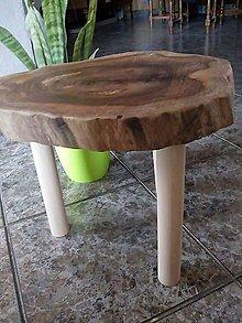 Nábytok - príručný stolík ORECH - 10494253_