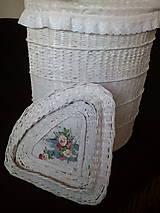 Košíky - Biely rohový kôš na prádlo rovný - 10495496_