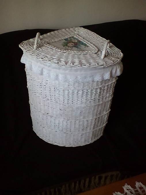 Biely rohový kôš na prádlo rovný
