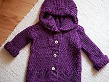 detský svetrík s kapucňou
