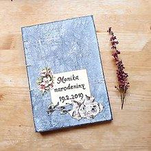 Papiernictvo - Romantická kniha hostí šedá s kvetimani na oslavu narodenín / inú oslavu - 10500972_